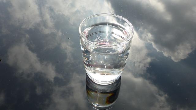 glass-475446_640
