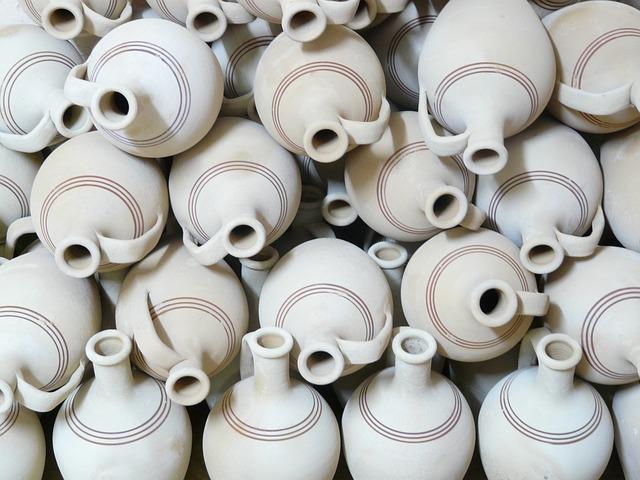 jugs-64975_640