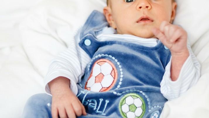 На 3 месеца: Игра с топка