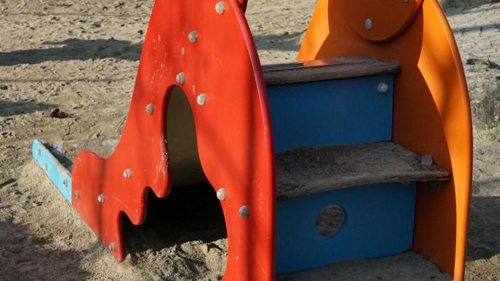 На 9 месеца: Нагоре и надолу по пързалката