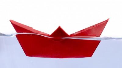 На 11 месеца: Грабни лодките!
