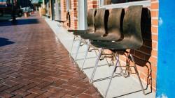 На 10 месеца: Стабилни ли са столовете?