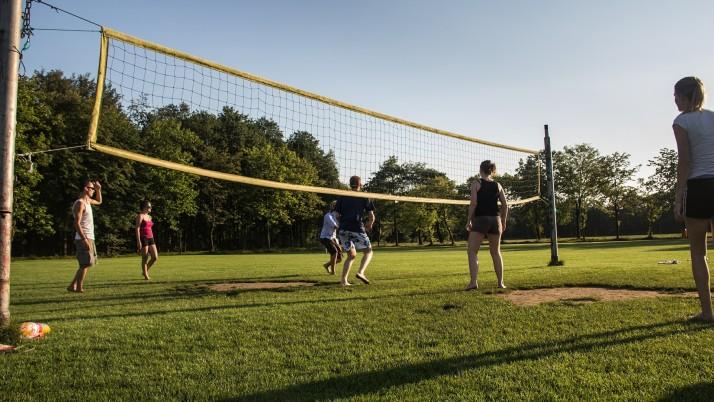 На 1 година: Бебешки волейбол