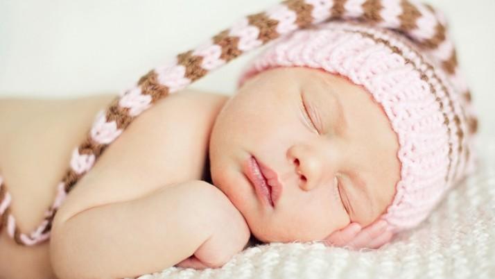 Спящите бебета