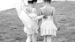 Мамо, музика! Искам да танцувам.