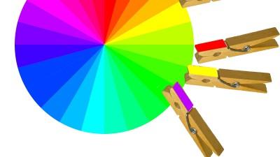 Игри за път: Цветни щипки