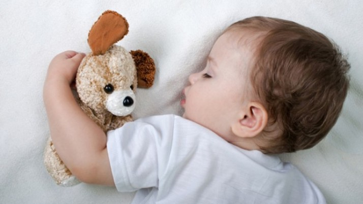Как да се справим с неспокойният сън при децата