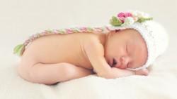 Как да играем с новороденото