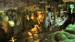 На 3 години: Игра на пещера