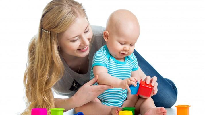 Кои са най-подходящите игри и играчки за детето