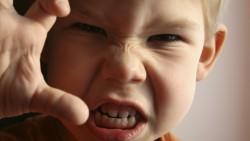 Как да открием причините за лошото поведение на детето
