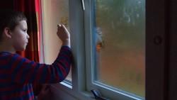 На 3 години: Рисуване върху прозорец