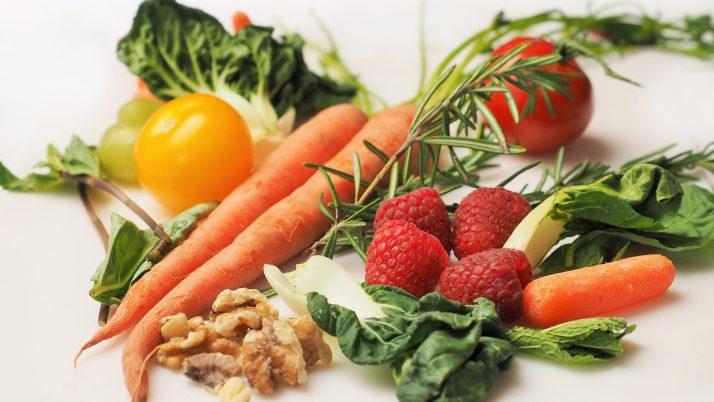 Как да научим детето да се храни здравословно