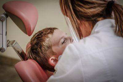 Как да се справим с детския страх от зъболекари