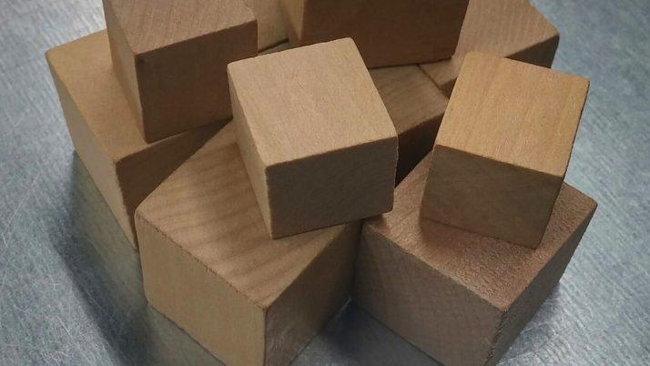 На 4 години: Дзен кула от кубчета