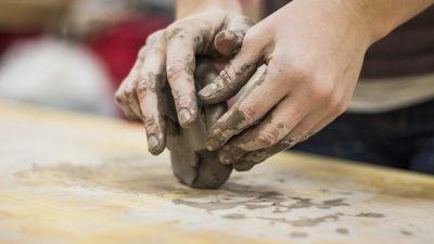 На 3 години: Чудеса от… глина