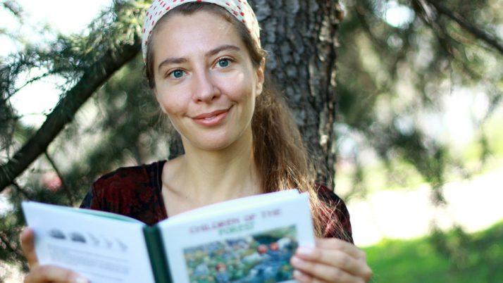 За децата и детските книги през погледа на писателката Петя Кокудева