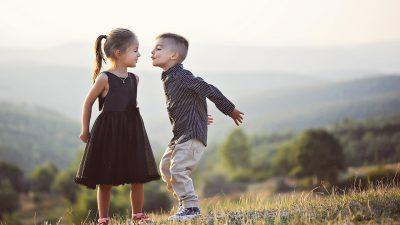 Как да научим децата да се обличат сами