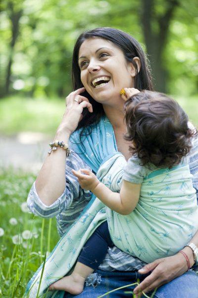 """За ползите от бебеносенето, интервю с основателката на """"Слинготека"""" Христина Лисник"""